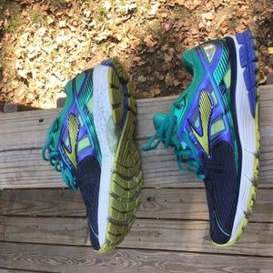 Brooks women running shoes size 8.5